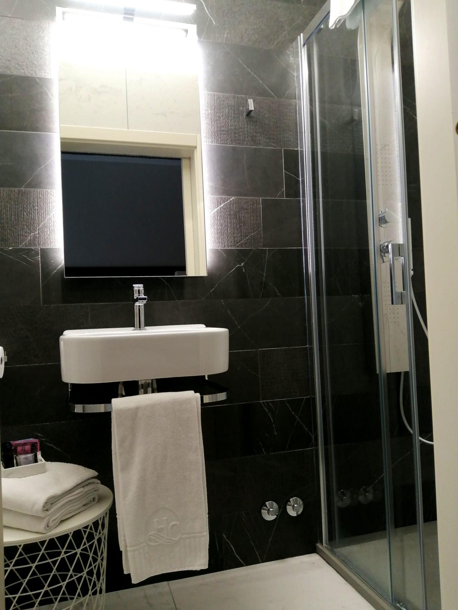 nuovi bagni hotel castello2
